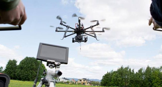 Drone pilot lessons provide new career option for freelancer generation