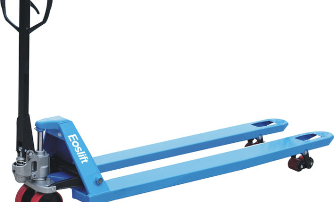 PalletTrucksUK Offers Businesses Advice for Choosing the Right Pallet Truck