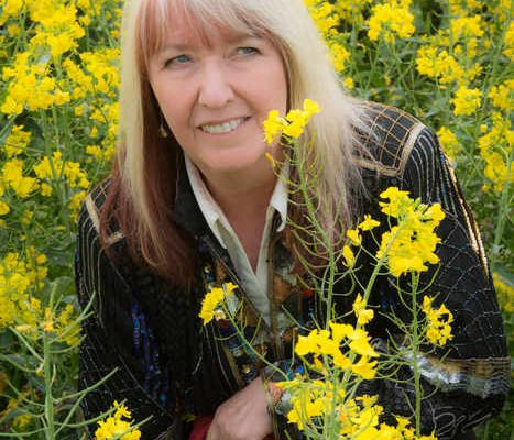 Queen of Folk Music Maddy Prior MBE Brings Joyous Collaboration and Entertainment to Venues Across UK