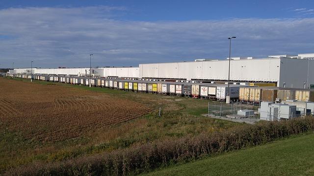 E-commerce continues to drive warehousing boom despite Brexit fears